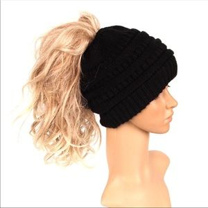 Black ponytail beanie hat
